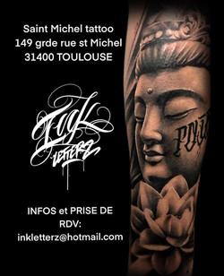 tatouage buddha à toulouse tatoueur réalisme japonais asiatique réalisme statue noir et gris