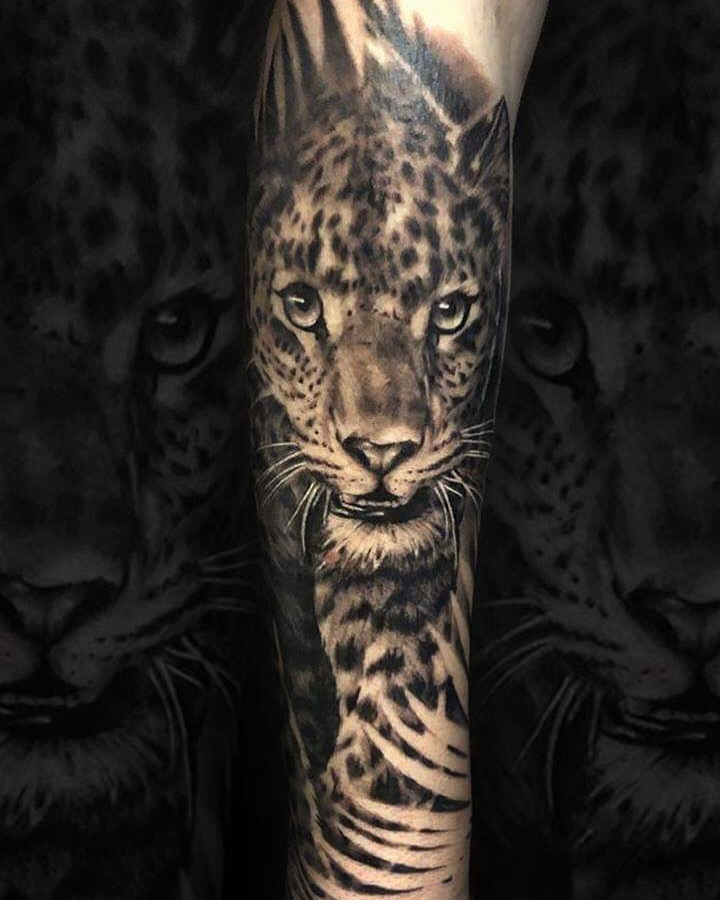 leopard tattoo toulouse realisme
