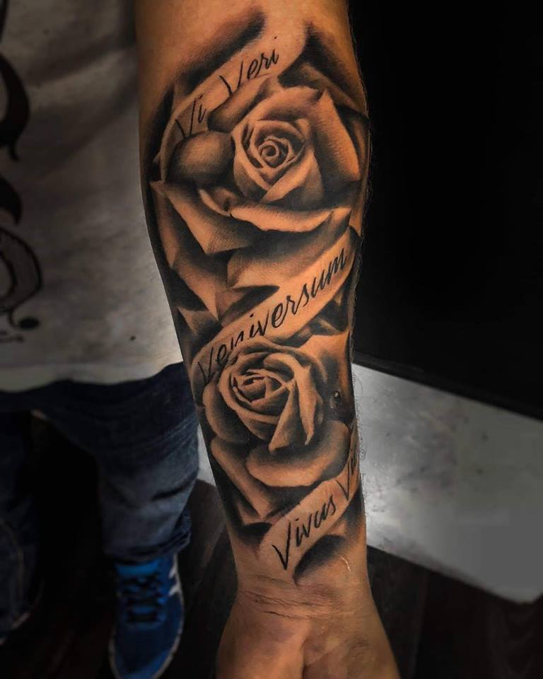 rose tattoo toulouse realisme