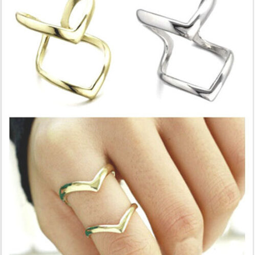 Double Arrow Finger Statement Ring
