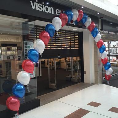 Vision Express single balloon arch