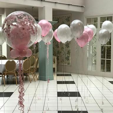 Bubble and latex balloon floor display