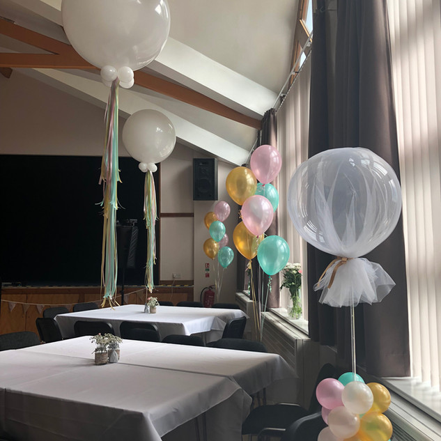 Mint-gold-and-light-pink-party-balloons.