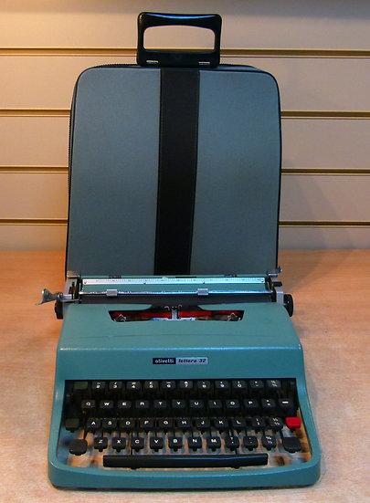 Olivetti Lettera 32 Portable (1971)