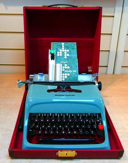 Olivetti Studio 44 Portable (1966)