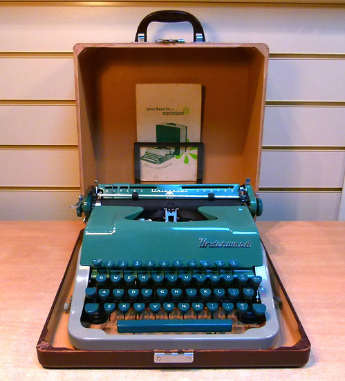 Underwood Universal Portable (1956)