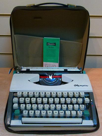 Olympia De Luxe Portable (1961)