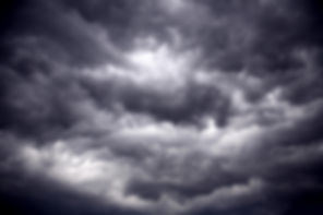 Des nuages orageux