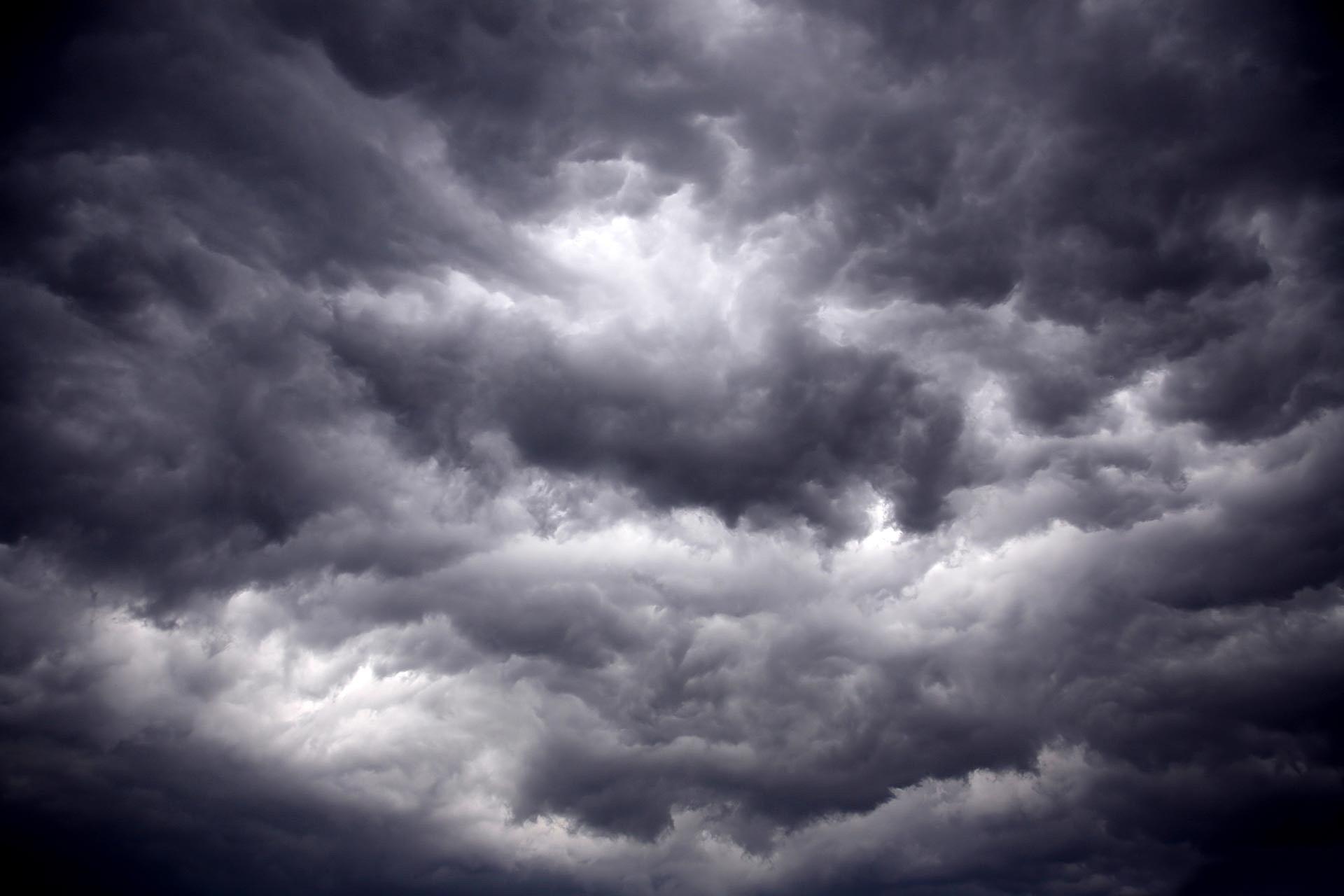 iicoc.net | Storm Clouds
