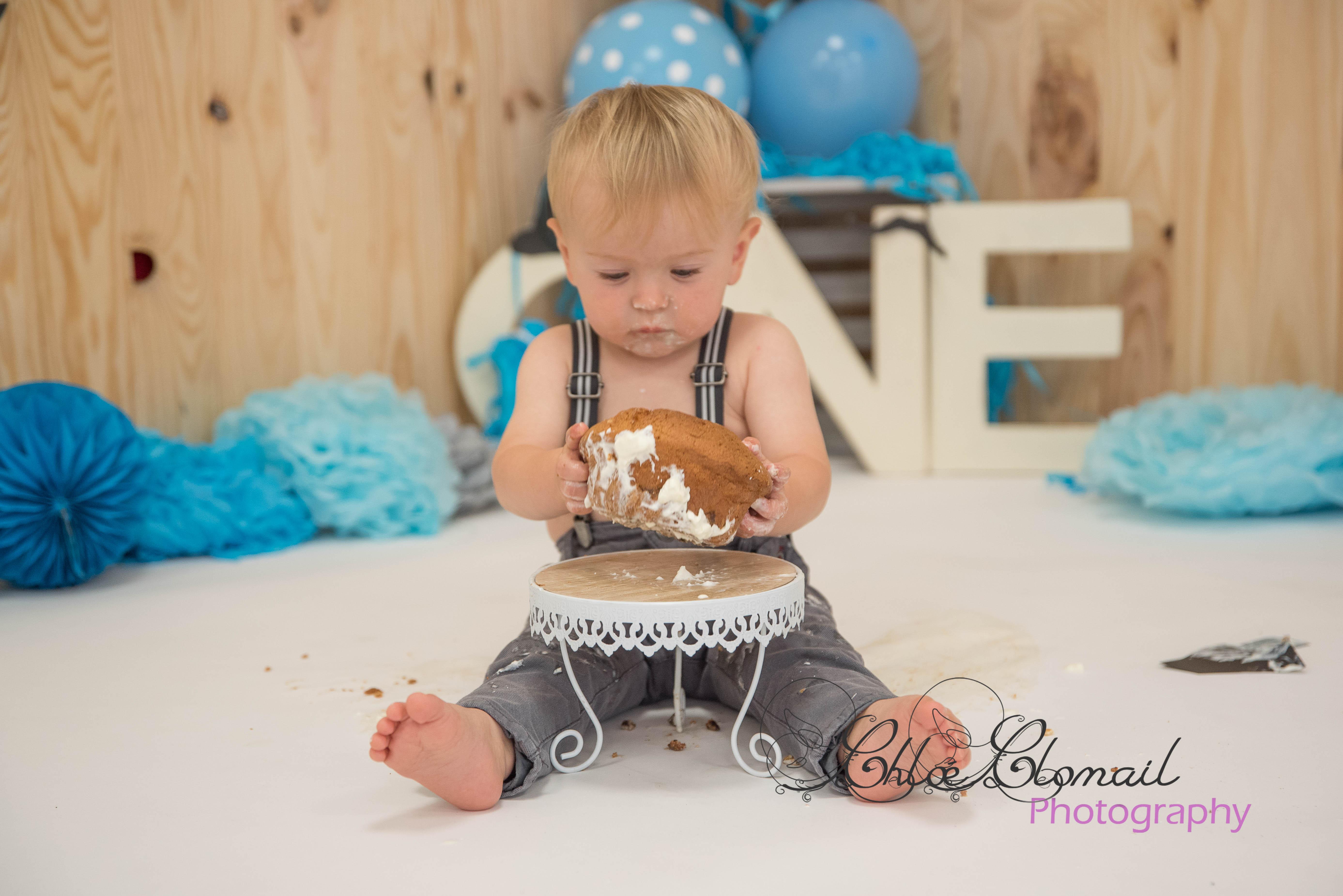 smash cake little man/moustache