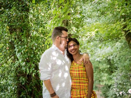Séance photo d'un couple en extérieur