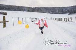 portrait enfant ballon neige extérieur