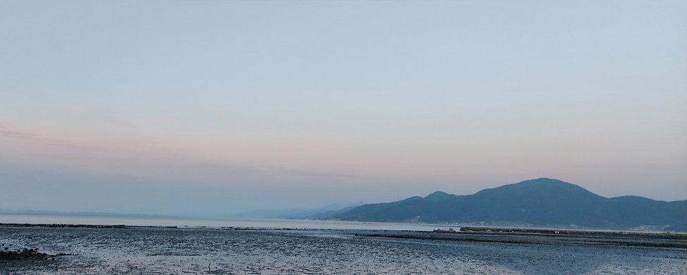 새벽녘의 바다와 하늘