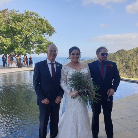 Emily & Joel, Glen Albyn Estate, Taroona