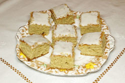 Iced Lemon Tray Bake