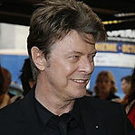 220px-David_Bowie.jpg
