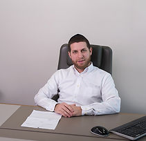 משה-ויזל-עורך-דין.jpg