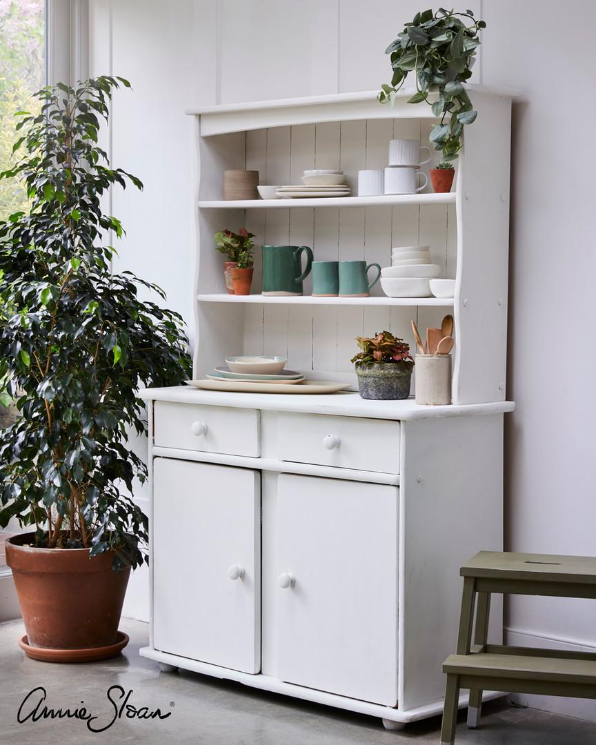 Old-White-kitchen-dresser.jpg