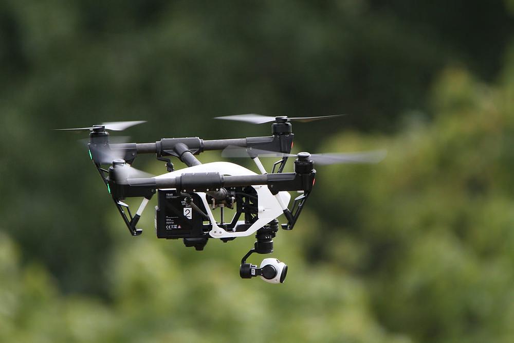 """Drone video-opnames ... uiteraard """"Bedrijfsfilms Belvedere"""""""