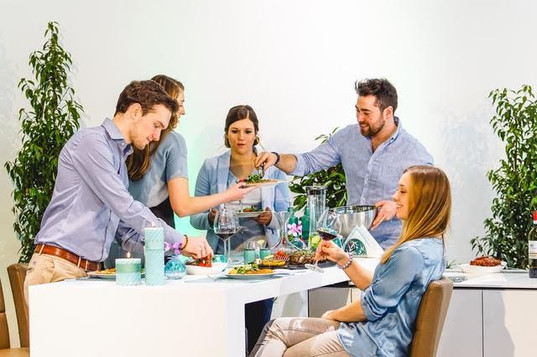 bedrijfsfotografie-belvedere-bedrijfsfilms-samen-eten.jpg