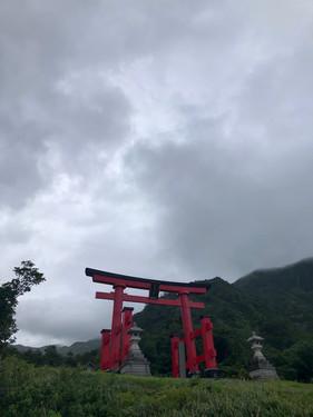 湯殿山神社大鳥居