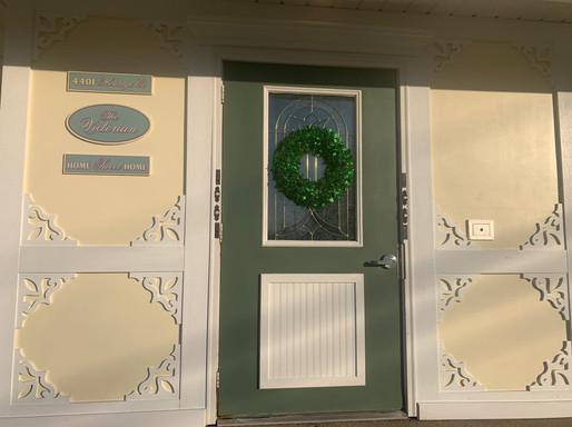 Heritage Apartments Victorian Door