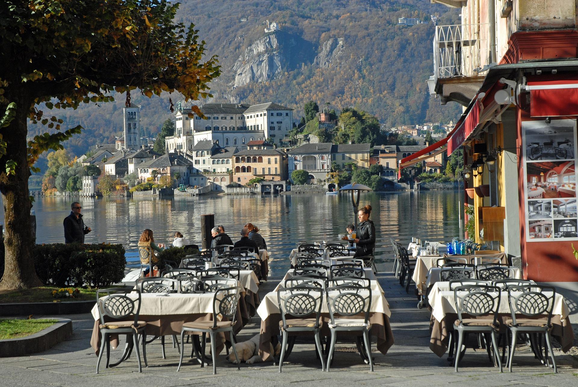 Dorpje Lago d'Orta