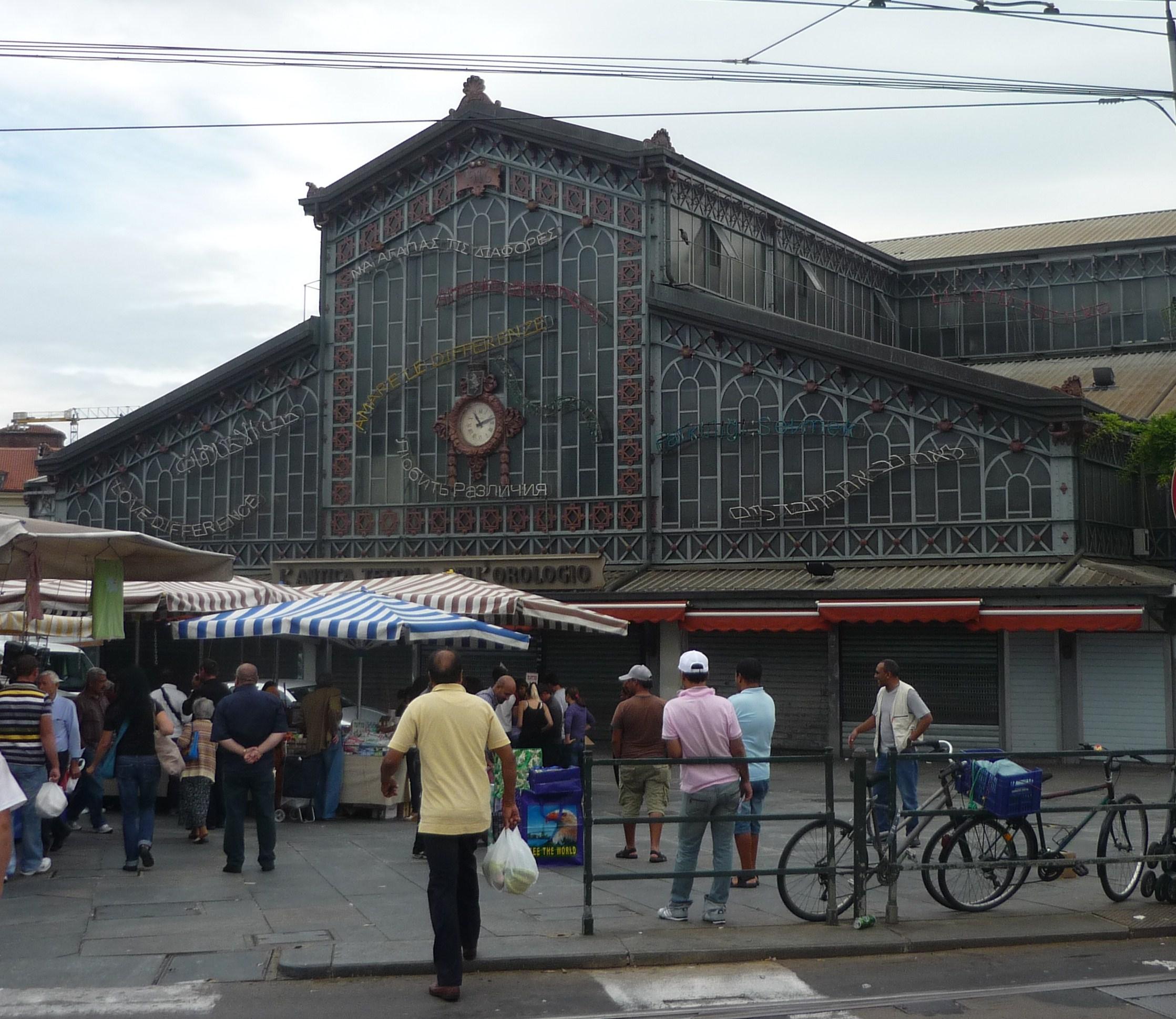 Porto Palazzo markt in Turijn