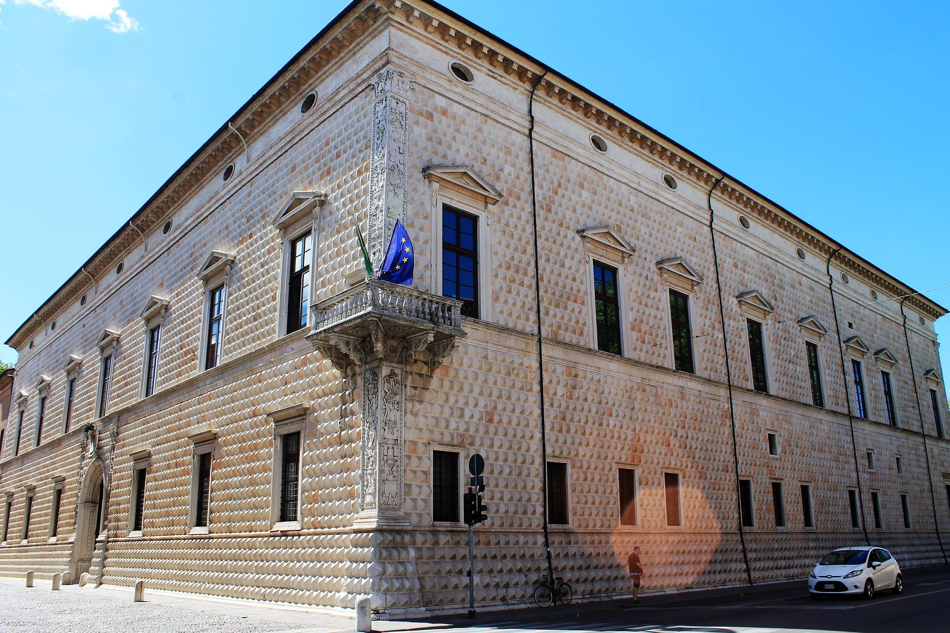 Palazzo dei diamanti in Ferrara