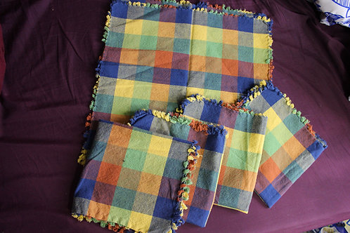 Vintage Checkered Pattern Napkins (5)