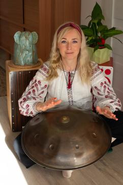 """Małgorzata Podjacka """"Aroma"""", nauczycielka wspomagajaca, muzykoterpeutka"""