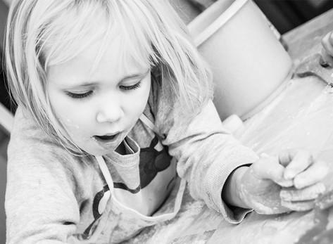 Kinderfotos im Advent - Plätzchen backen