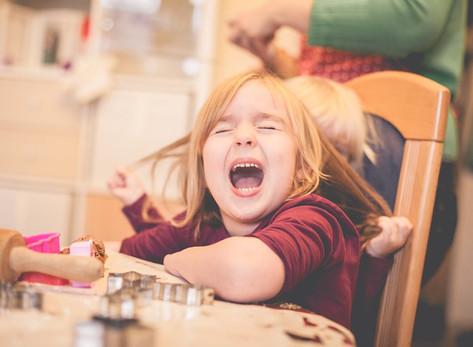 In der Weihnachtsbäckerei - Kinderfotos in der Adventszeit