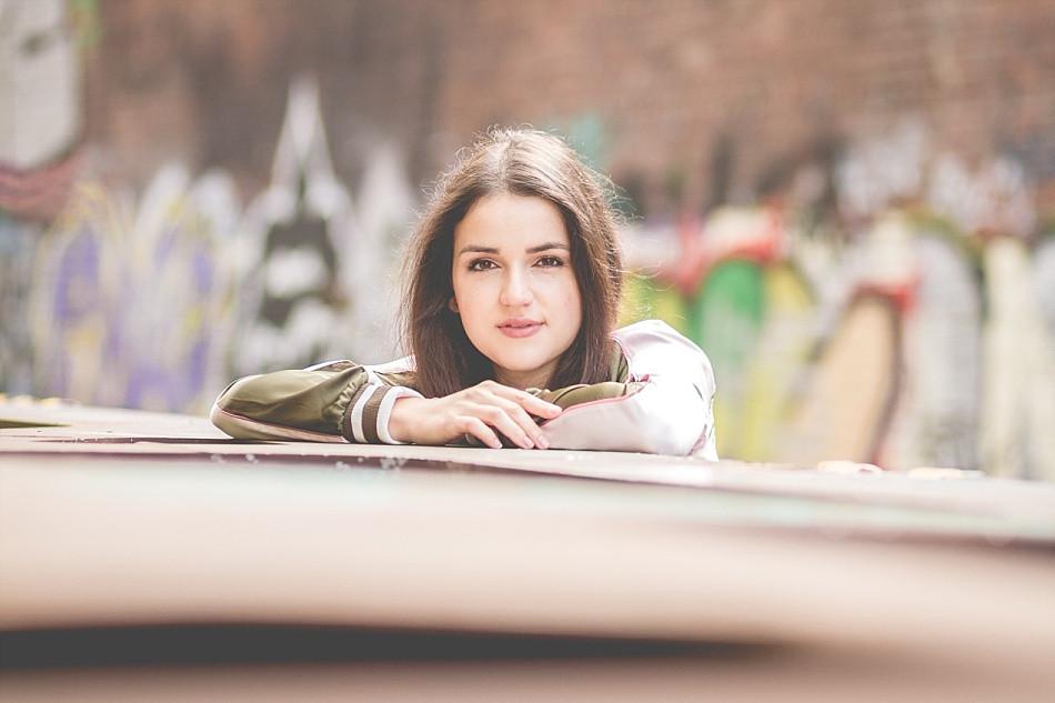 Portraitshooting mit Laura Pinski im Industriehafen von Düsseldorf