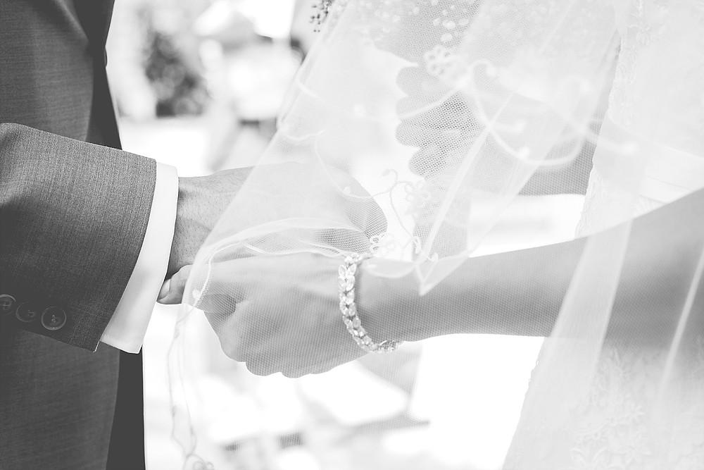 emotionale Detailaufnahme Hochzeitsreportage