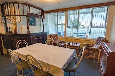 Guest Lounge-2.jpg