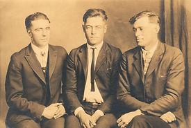old-photos-1932321_1920.jpg
