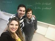 Instrutora Adília junto dos alunos