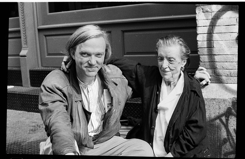 Robert Storr with Louise Bourgeois in front of Peter Blum Gallery on Wooster Street, 1995 | JM Art Management