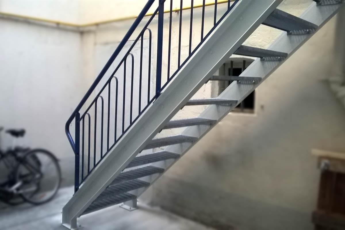 escalier peinture galvanisé