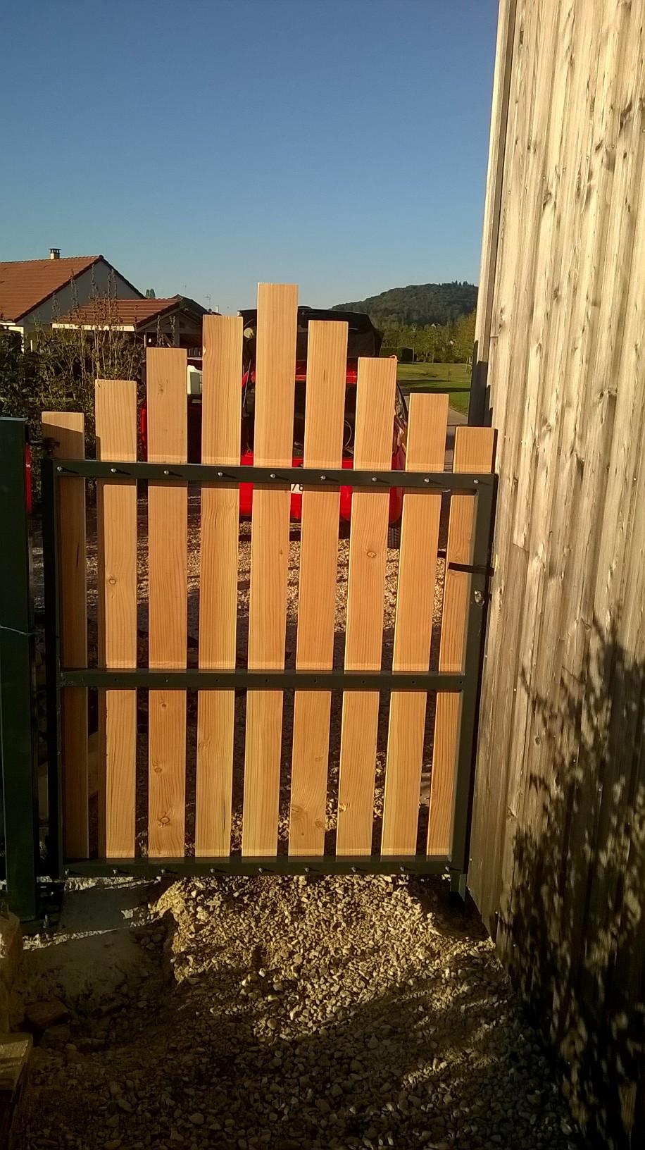 portail bois acier