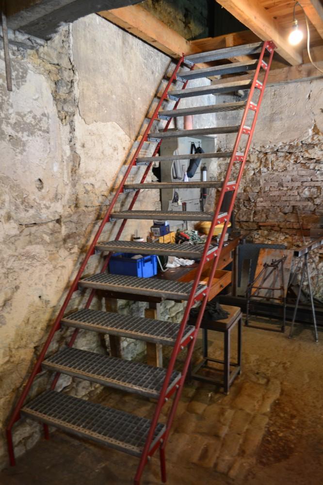 escalier marche grille aluminium