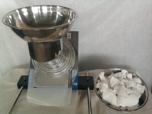 maquina-crivadora-de-fecula-goma-de-mandioca-tapioca-17412-MLB20137481335_072014