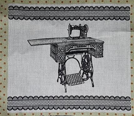 Tecido Mesa e Maquina de Costura