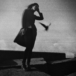 #filmisnotdead #analoguephotography #analogue #film #35mm #olympustrip #model #blackwhite #schevenin