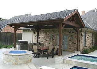 Outdoor Kitchen & Fire Pit