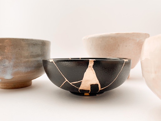 Kintsugi, how to restore pottery with gold.