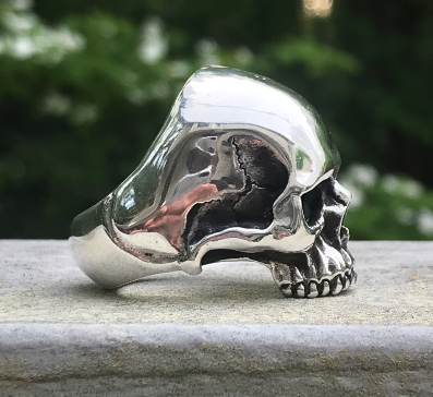 skull ring side view