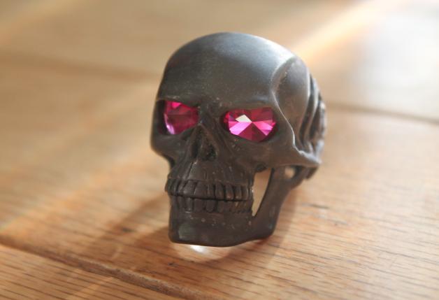 gemstone jupiter skull ring