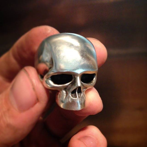 keith richards style skull ring